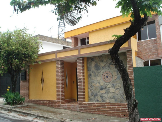Casas En Venta Urb. Los Pomelos Cod. 16-15727