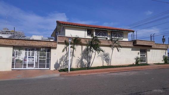 Mls #19-10856 Gaby Vende Casa En Monte Bello En Esquina