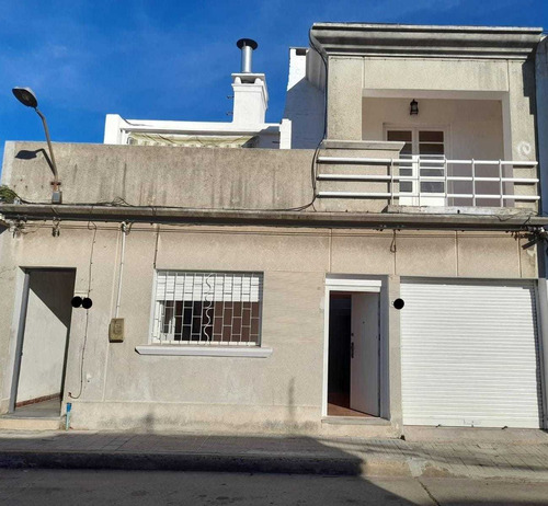 Casa Prado 3 Dorm. 2 Baños, Garage, Estufa Leña, Parrillero.