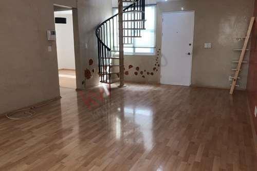 Penthouse Amplio, Remodelado Y Con Excelente Ubicación