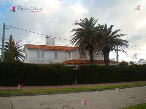 Casa En Peninsula, 5 Dormitorios - Ref: 7188