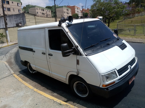Imagem 1 de 7 de Renault