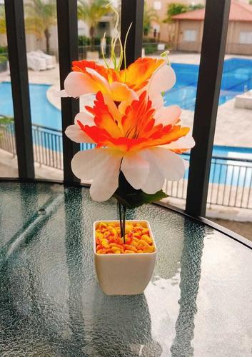 Imagem 1 de 5 de Flores Artificial Feito A Mão