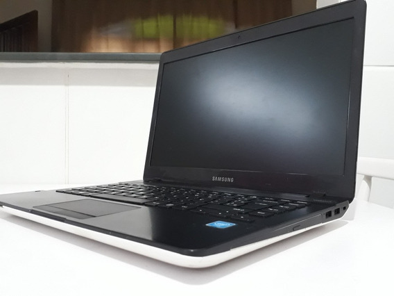 Notebook Samsung Essentials E32