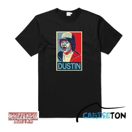 Camiseta Dustin - Stranger Things (na Cor Preta)