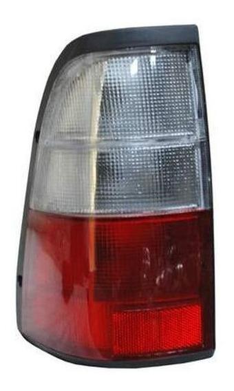 Calavera Luv Doble Cab 02-05 Rojo/ Bco C/arnes Izq(piloto)