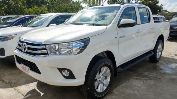 Toyota Hilux Mecánica Blanca 2018