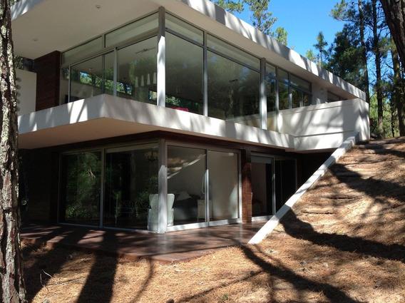 Casa Vidriada Bosque Cerca Del Centro Diseño Minimalista