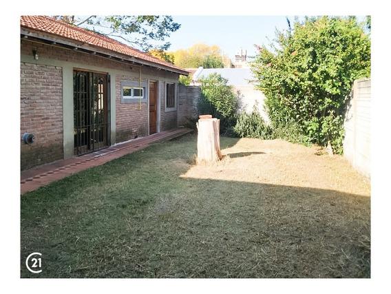 79 12 Y 13 Casa 3 Dorm Parque Parrilla Cochera Fondo Verde Villa Elvira La Plata