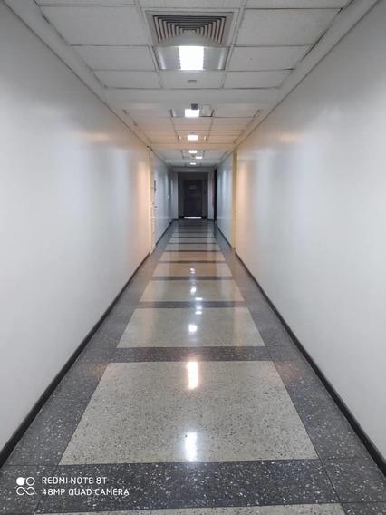 Oficina En Alquiler En El Recreo 04142262821 Mserrano