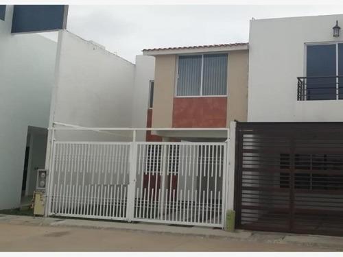 Casa Sola En Renta Los Lagos Residencial