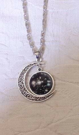 Colar Lua Com Galáxia
