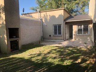 Casa 3 Ambientes Con Jardín En Venta Zona Canning.