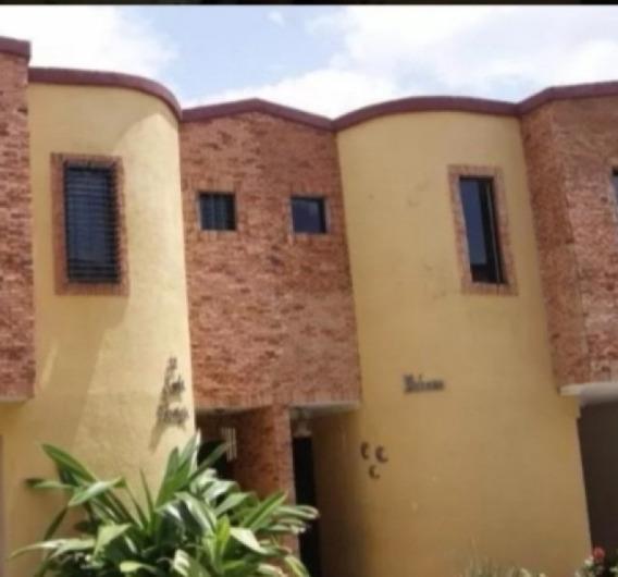 Vendo Town House En La Entrada (22.500)