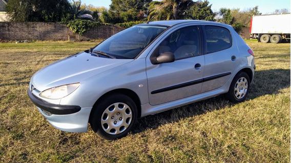Peugeot 206 Xr Premium 2004 - Alvaro Oroza