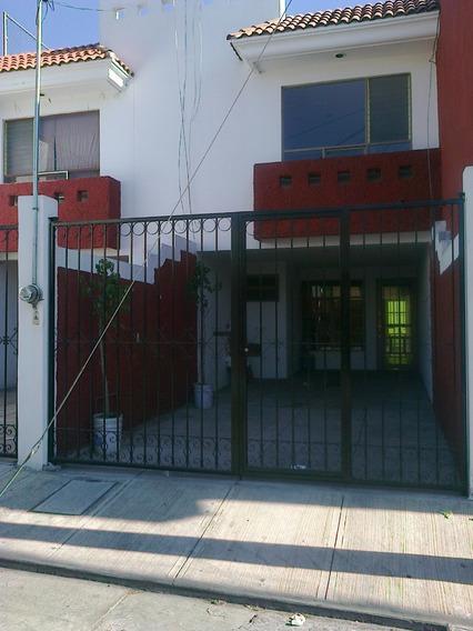 Contra-esquina De C.u. Bugambilias 3a. Seccion