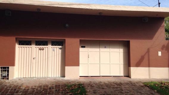 Casa Martin Garcia 3300 Quilmes -3 Ambientes + 2 Locales