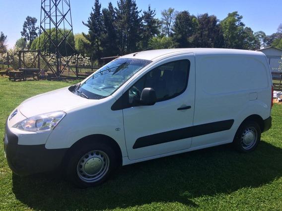Vendo Camioneta Peugeot, Super Económica Diésel 20