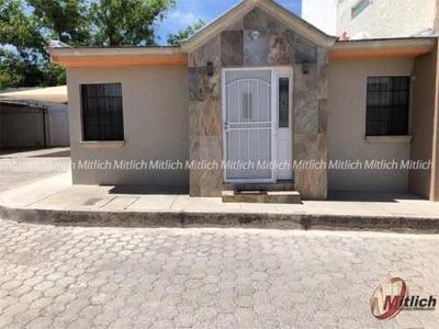 Casa Sola En Venta Venta Una Planta Zona Privada Col. Santa Rosa $1,500,000
