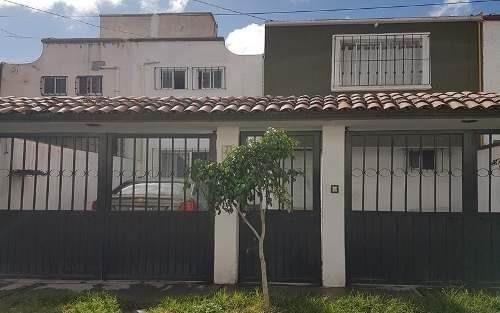 En Venta Casa En Plazas Del Sol, 3 Recámaras, Cochera Con Reja 2 Autos, Jardín..