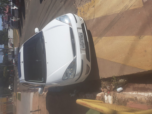 Ford Focus 2005 2.0 Ghia Aut. 5p 140.3 Hp