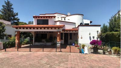 Venta De Hermosa Casa Frente A Hoyo 1