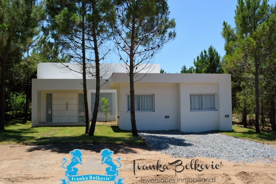 Casa Venta Costa Esmeralda Barrio Cerrado Golf Amoblada