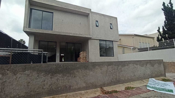 Enorme Casa En Venta Valle Real, Zapopan Jalisco 3 Niveles.