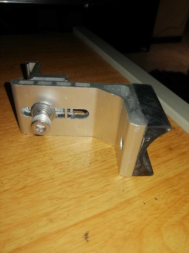 Imagen 1 de 2 de Patas Para Riel De Aluminio