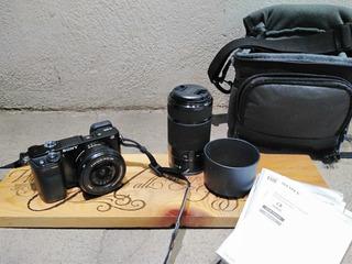 Cámara Sony Alpha A6000 Con Lentes 16-50 Mm Y 55-210 Mm Kit