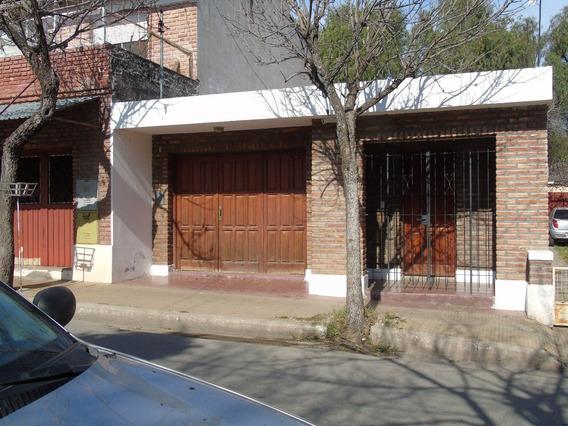 Estudio / Oficina + 1 Cochera Y 1 Baño - 50m De La Plaza -