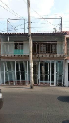 Casa Con Locales Comerciales En Col. San Andres Casi Esq. Av