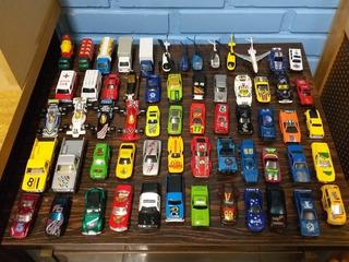 Kit Com 61 Miniaturas Carrinhos De Brinquedo