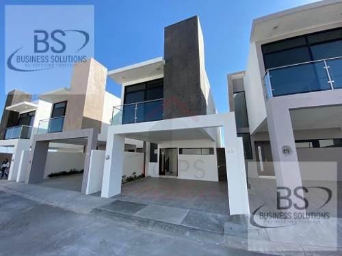 Casa En Renta En San Isidro Jurquilla, Querétaro | Gps