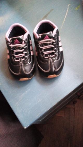 Zapatillas adidas Nena.