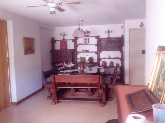 Se Alquila Apartamento Urb, Guaicay 350 Negociable