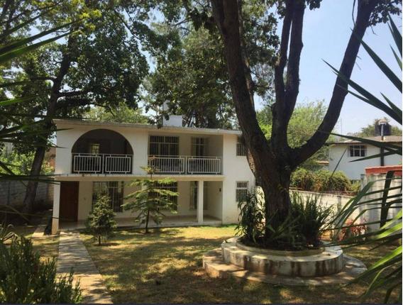 Casa En Venta En Real Del Monte En San Cristóbal
