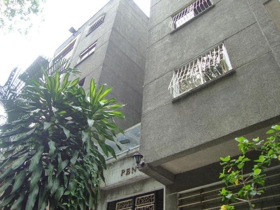 Venta De Apartamento En Clnas. Las Acacias Gina B. 19-20196