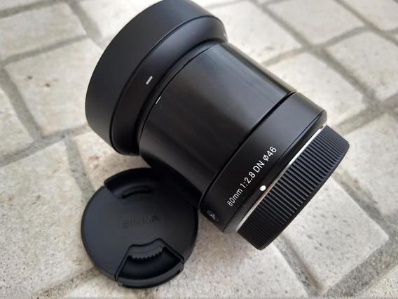 Lente Sigma Arts 60mm F/2.8 Com Para Sol Micro 4/3