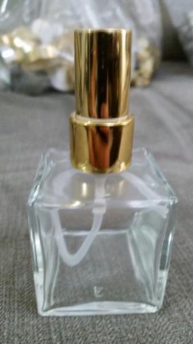 Imagem 1 de 2 de Frasco Vidro-cubo 30 E 50ml Com  Valvula Spray Luxo-40pç