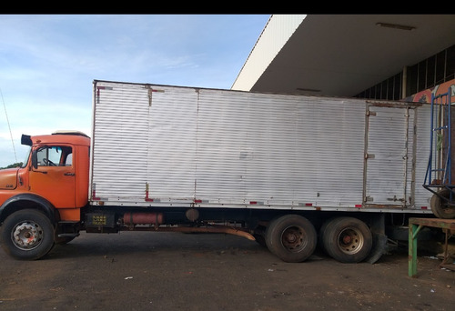 Imagem 1 de 6 de Caminhão Mercedes-benz 1318