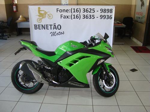 Imagem 1 de 10 de Kawasaki Ninja 300 R Verde 2013