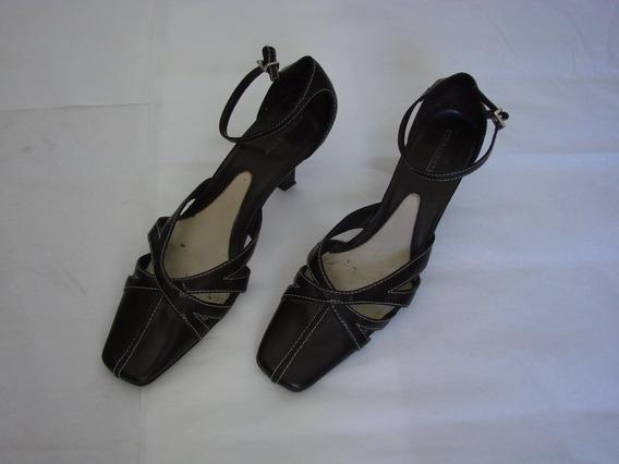 Zapatos Marrones Con Pespuntes Blancos Importados