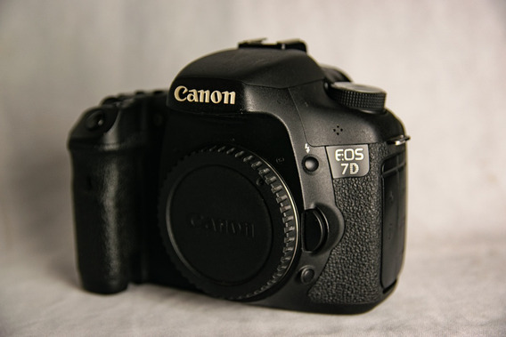 Canon 7d + Lente 35mm Yn (nova) - (não 6d, 5d, 60d, 77d)