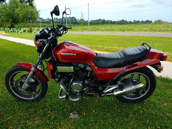 Honda Sabre 700cc