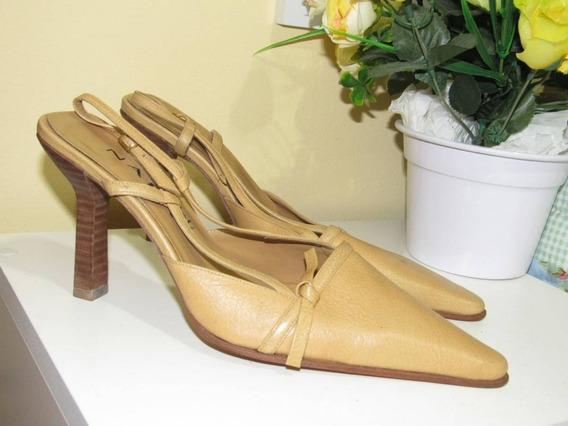 Sapato Bico Fino Salto