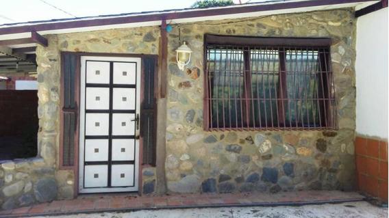 Casa En Venta El Manzano 19-18066 Rb