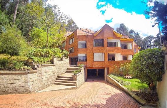 Apartamento En Venta En Bosque De Pinos Mls 19-165