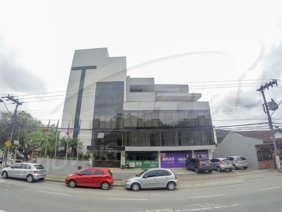 Sala Comercial Com Aproximadamente 70 M², No Bairro Ponta Aguda. - 3576197