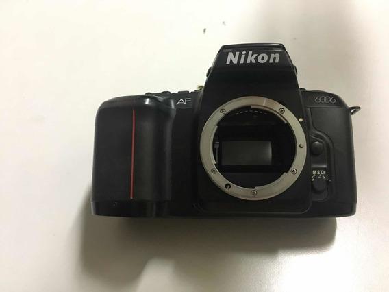 Câmera Fotográfica Nikon N6006 Tampinha Da Bateria Não Fecha